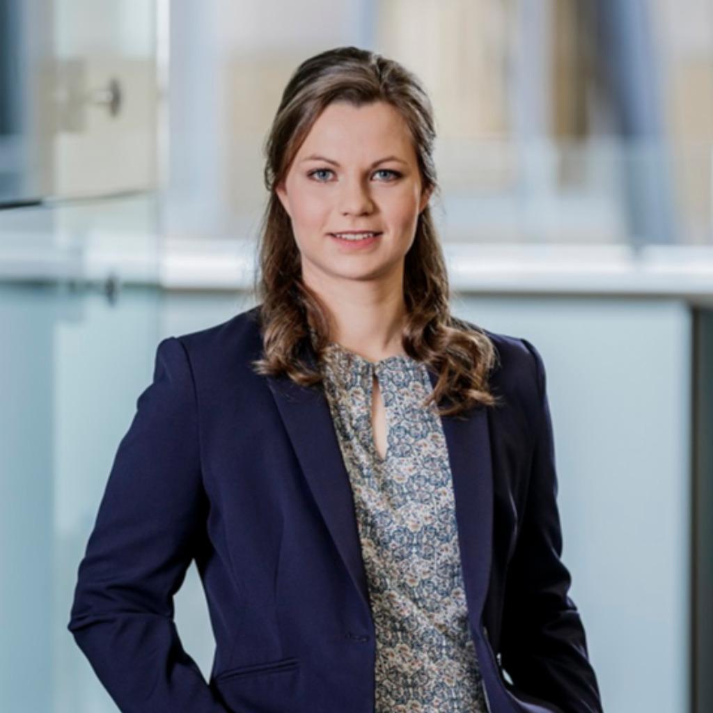 Deutsche Kreditbank Dkb Corporate Website: Carolin Achilles - Mitarbeiterin, Stipendiatin