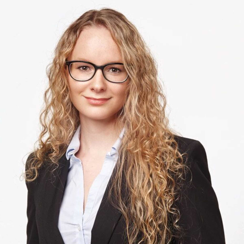 Sad Quotes About Depression: Cindy Flückiger - Praktikantin Marketing - SBB RailAway