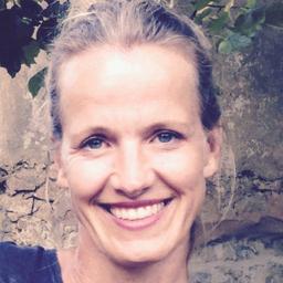 Angela Knewitz