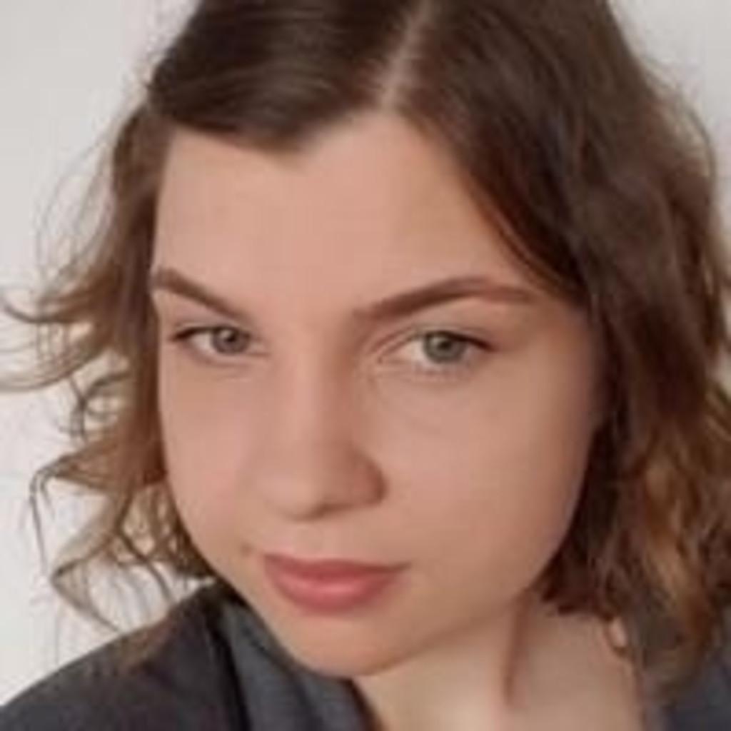 Julia Neumann - Junior Projektmanager - KOERNER