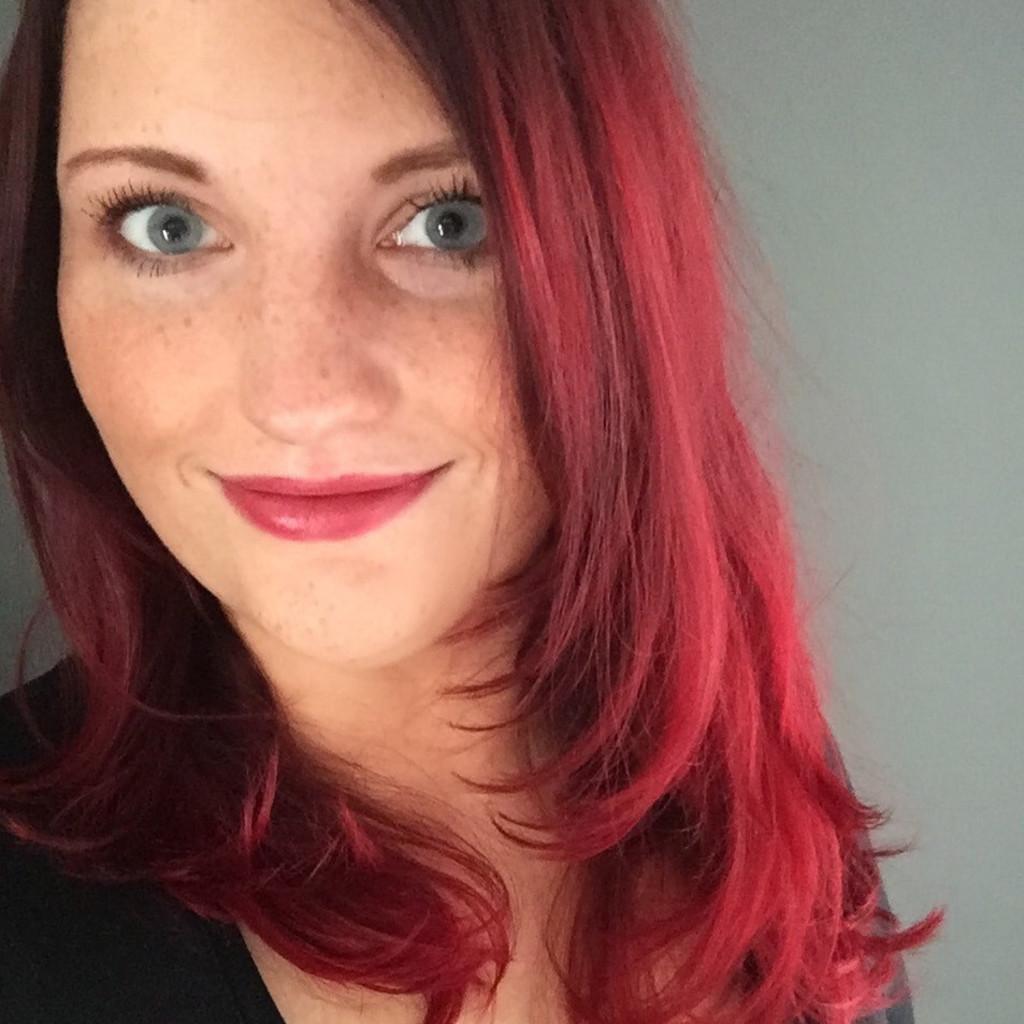 Jacqueline page junior art director oliver schrott for Produktdesign aachen