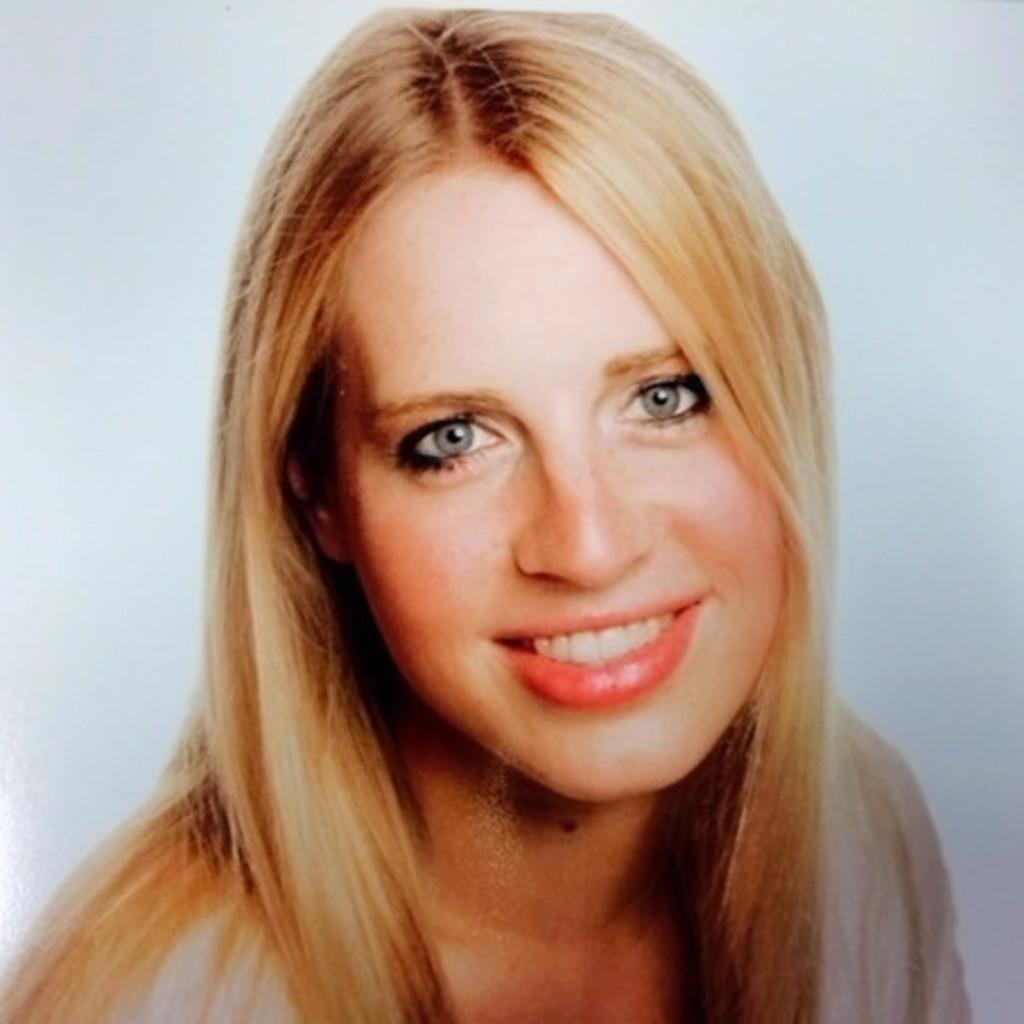 <b>Daniela Abraham</b> - Abteilungsleiterin der Medizintechnik - Uniklinik ... - julia-kleine-foto.1024x1024
