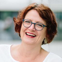 Dr Ulrike Vögele - ADCORE AG - Birsfelden