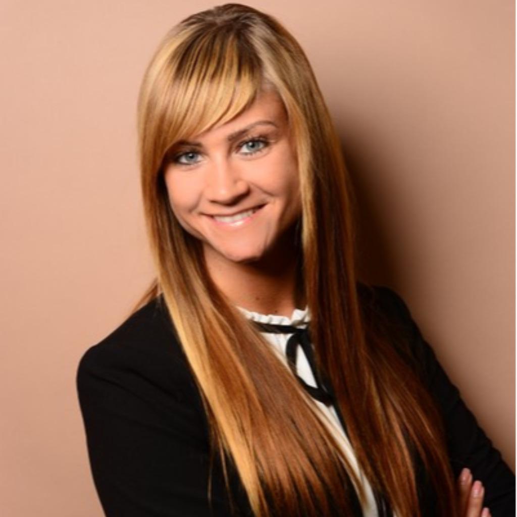 Anna Lange Senior Associate Audit Coporate Kpmg Ag