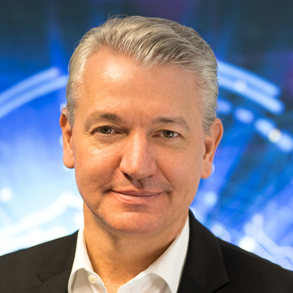 Wolfgang Lang - Geschäftsführer - Crowdfox GmbH   XING