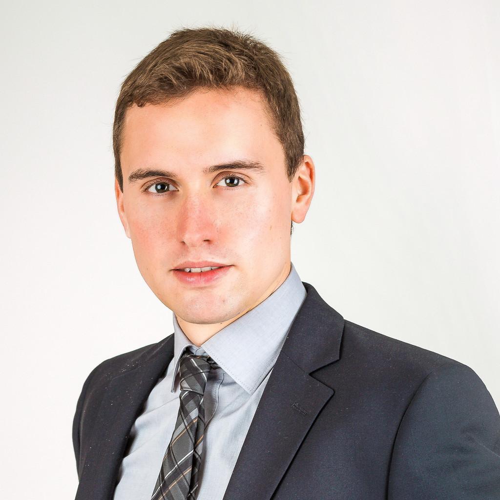 Christian koch leiter technik einer vollautomatisierten for Christian koch architekt