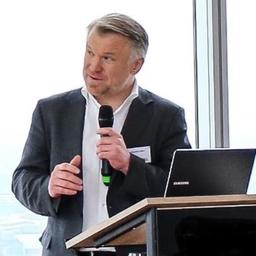 Dr. Markus Kern (马库斯·科恩 博士)