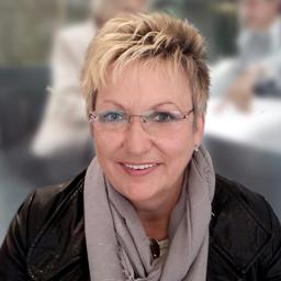 Carola Stach