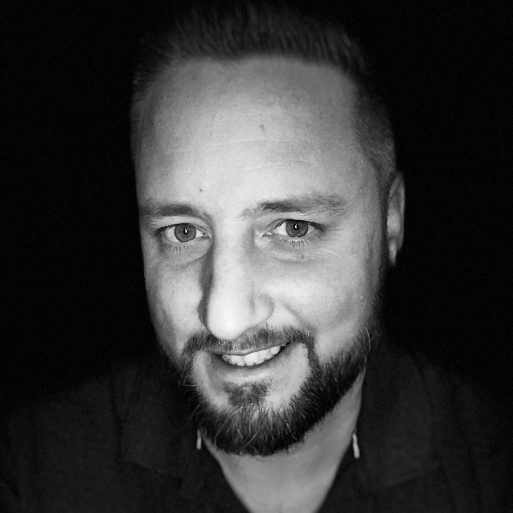 Michael gruber teamleiter projektleitung motor r4 Micheal motors