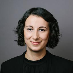 Linda Gaissmaier - identum communications gmbh - agentur für markencharisma - Wien