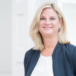 Stefanie Riewoldt - LR Personal Führung GmbH & Co. KG - Hamburg