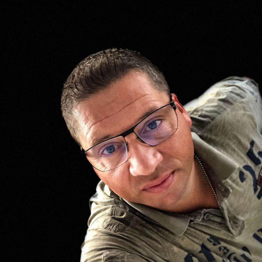 Frank bartnitzke raumausstatter trilago gmbh xing for Raumausstatter was ist das