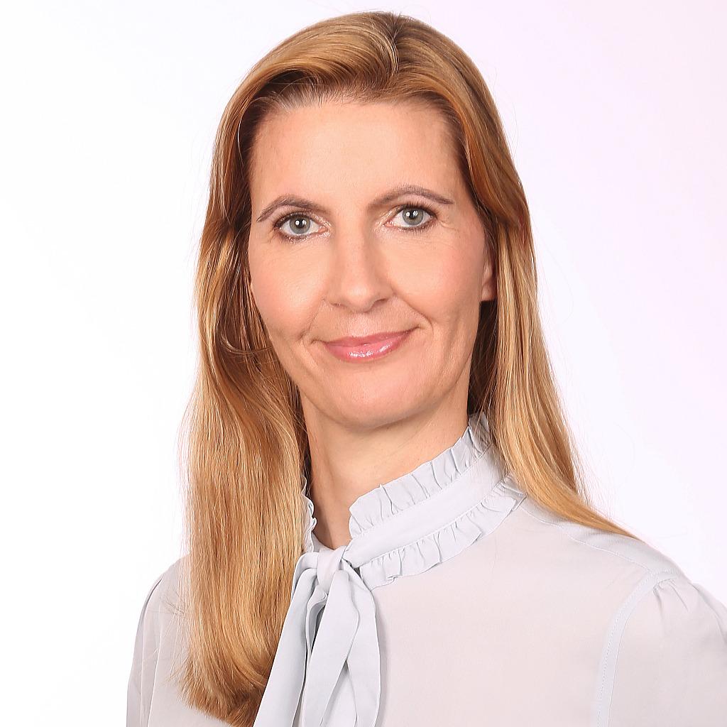 <b>Andrea Heim</b> - Stellvertretende Bereichsleiterin Recht - FORUM Institut für ... - andrea-heim-foto.1024x1024