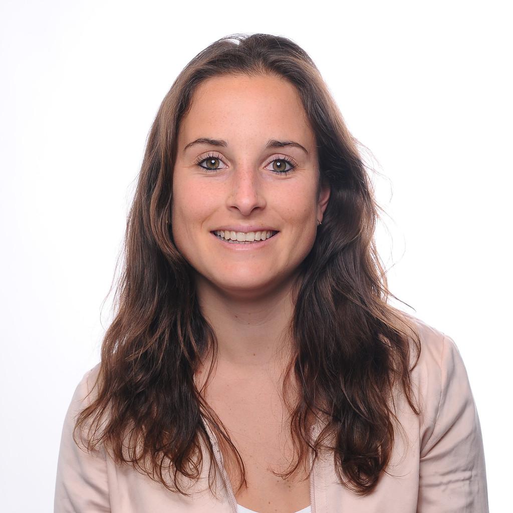 Anna l ders junior brand consultant sasserath for Brand consultant