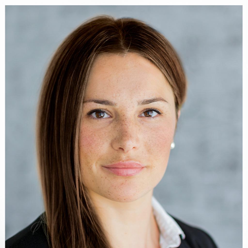 <b>Janine Beck</b> - Assistentin der Geschäftsführung - BOLDER Arzneimittel GmbH ... - sabrina-mei%C3%9Fner-foto.1024x1024