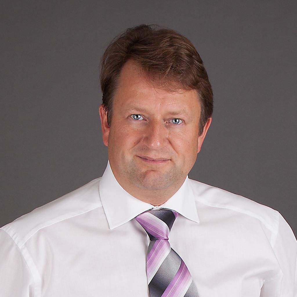 Carl-Hugo Mellander - Global Warranty Manager - Magna ...