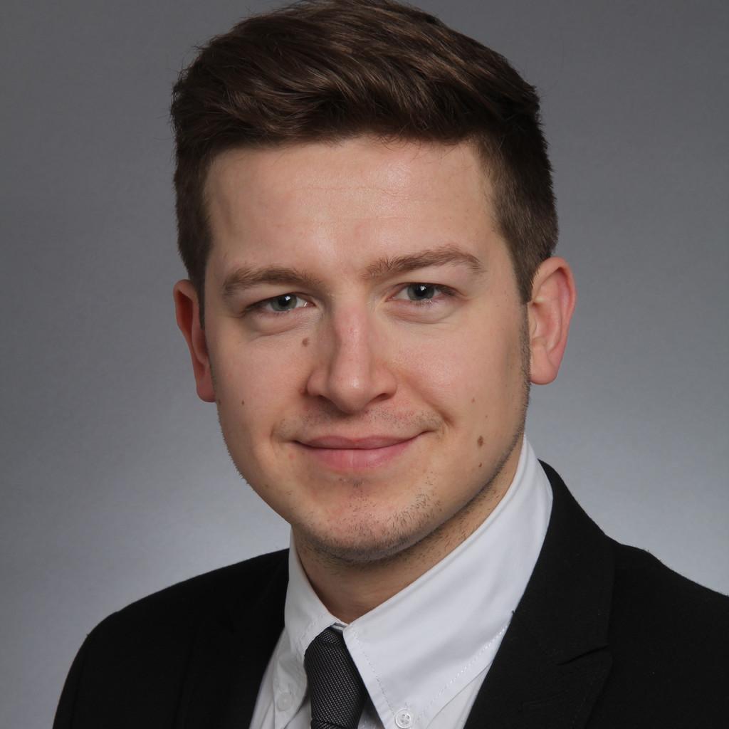 Roman rockstein junior consultant change2target gmbh for Junior consultant
