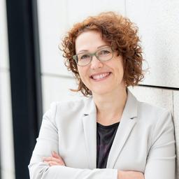 Dr. Jasmine Fokkens