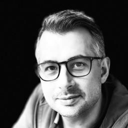 Dr. Daniel R.A. Schallmo