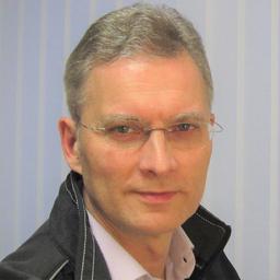 Christian Malouf - Christian Malouf · modellzentrische Softwareentwicklung · - Idstein