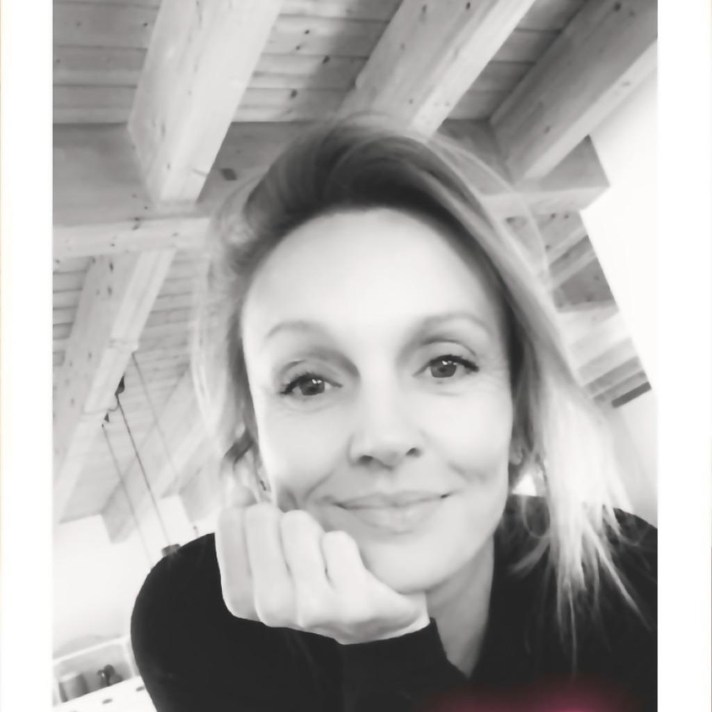 Anne Schäfer - Händler Büromöbel, Objektmöbel, Designklassiker ...