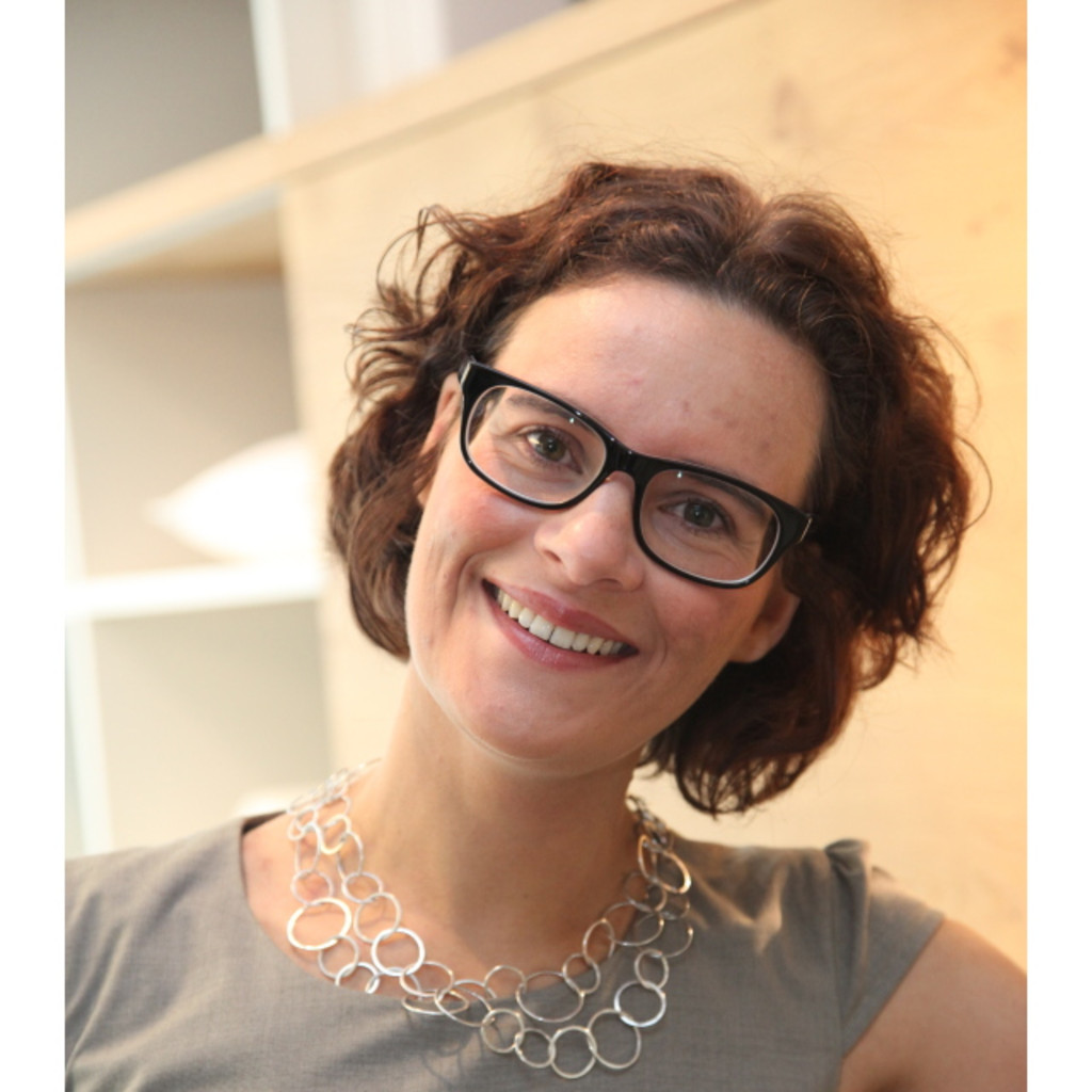 Stefanie Rau Bauer   Geschäftsführerin   Möbel Rau GmbH | XING