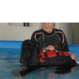 Jeannette fischbach gesch ftsinhaber hundephysio for Koch eislingen