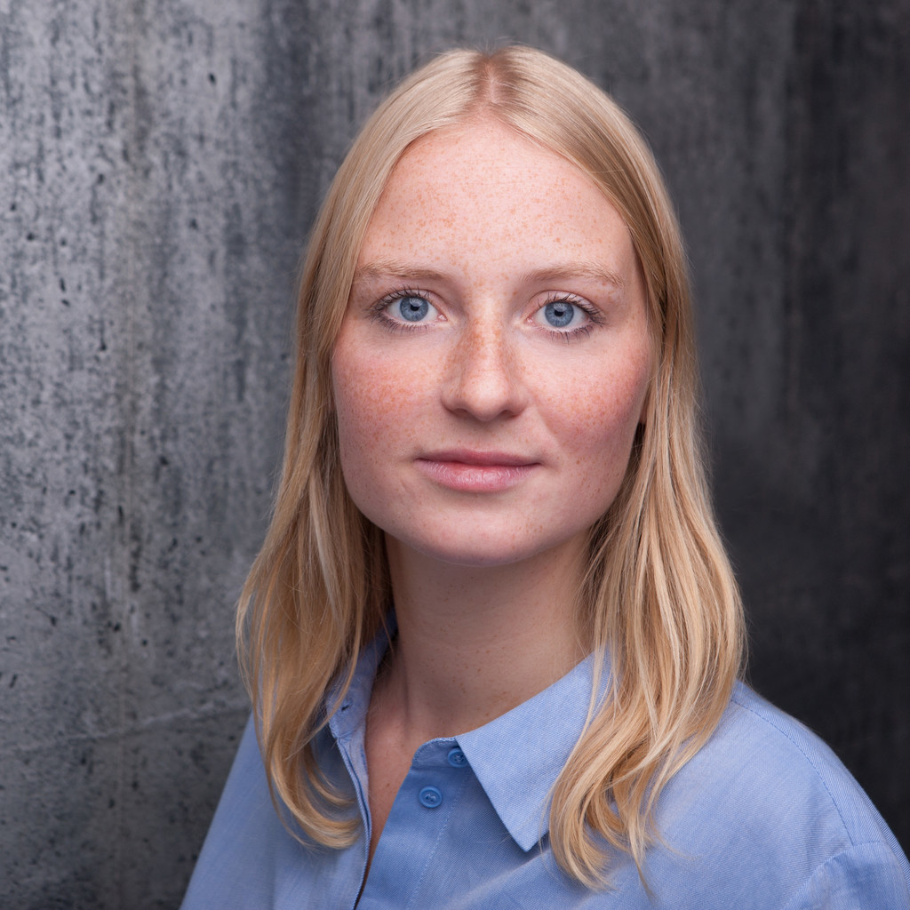 <b>Vanessa Schillings</b> - Junior Consultant - pioneer communications GmbH | XING - vanessa-schillings-foto.1024x1024