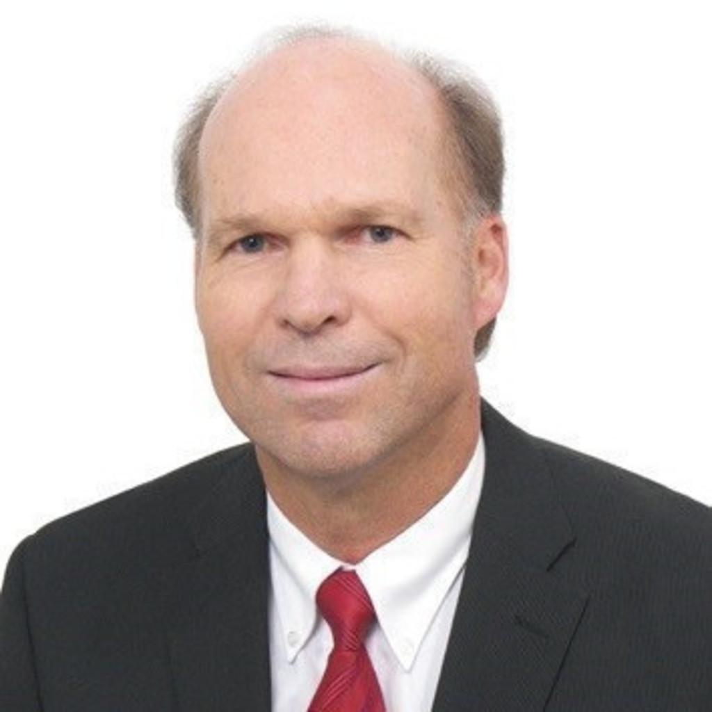 Dr michael hofer managing director profaco igus peru for Michael hofer