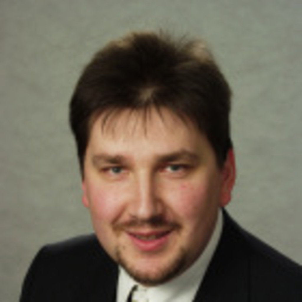 <b>Werner Lux</b> - Nachwuchsführungskräfte- und Messekommunikations-Experte ... - werner-lux-foto.1024x1024