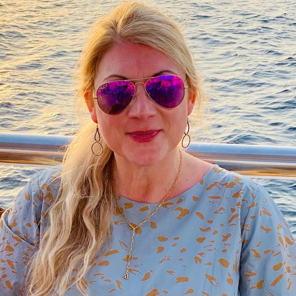 Claudia <b>Simone Hoff</b> - Journalistin &amp; Kunsthistorikerin - Kunstwissen | XING - antonia-kasparek-foto.1024x1024