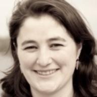 Dr. María Machón