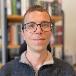 Tobias Hößl - web care LBJ GmbH - München