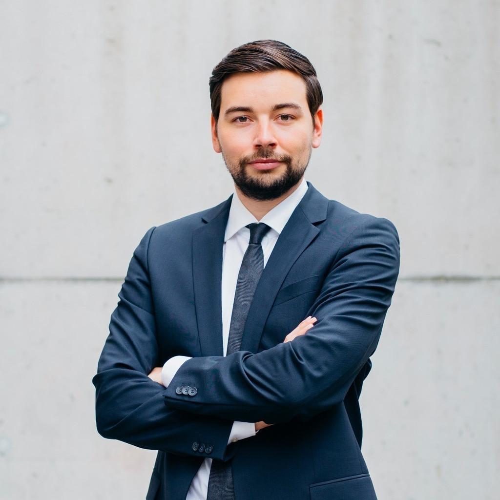 Yannick schmidt junior consultant hcs partners gmbh xing for Junior consultant