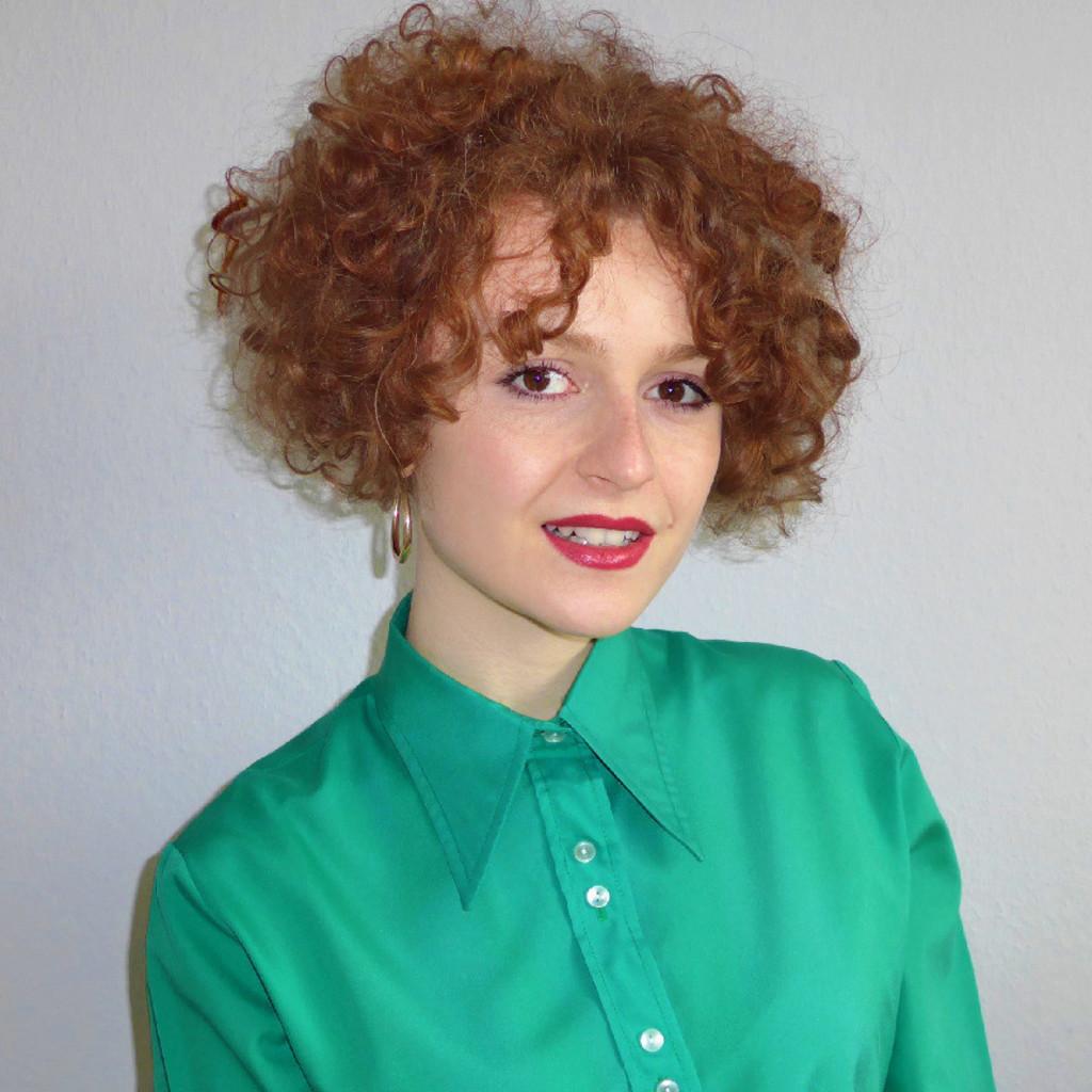 Aida Balint Mode Und Designmanagement Amd Akademie