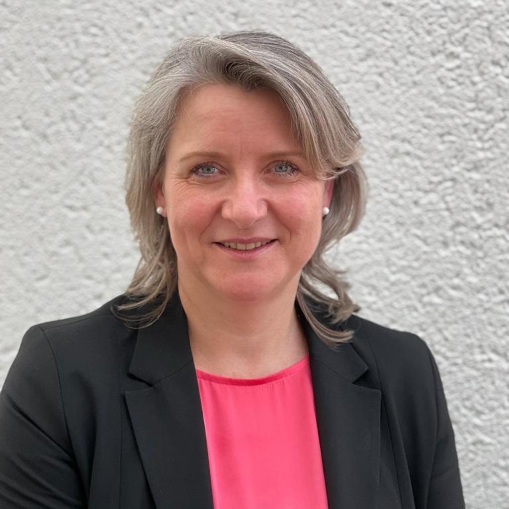 Deutsche Kreditbank Günstige Kredite Für Privatkunden: Seniorberaterin Privatkunden