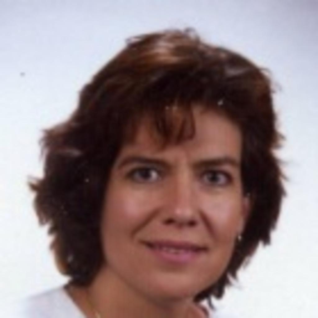 Christiane spiegel hock back office management for Spiegel xing