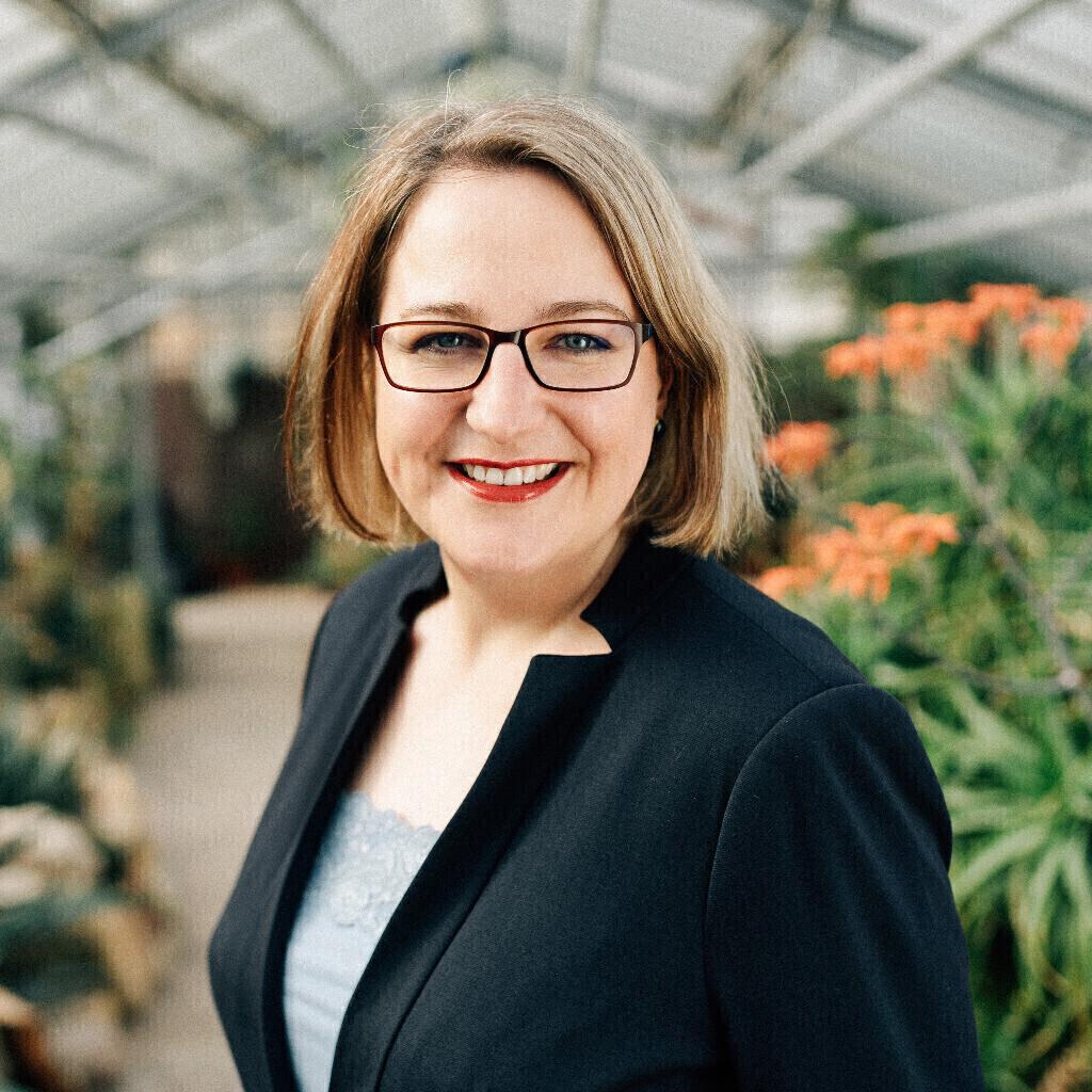 Stefanie Luh