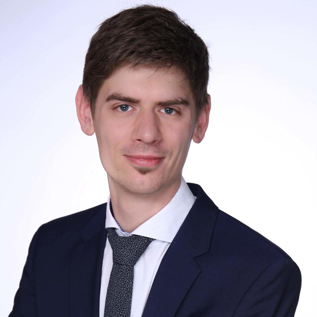 <b>Sebastian Fischer</b> - Projektmanager - IBM Deutschland Business & Technology ... - sebastian-fischer-foto.1024x1024