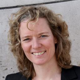 Kristina Frank - effisma.group - efficient sales & marketing - Stuttgart