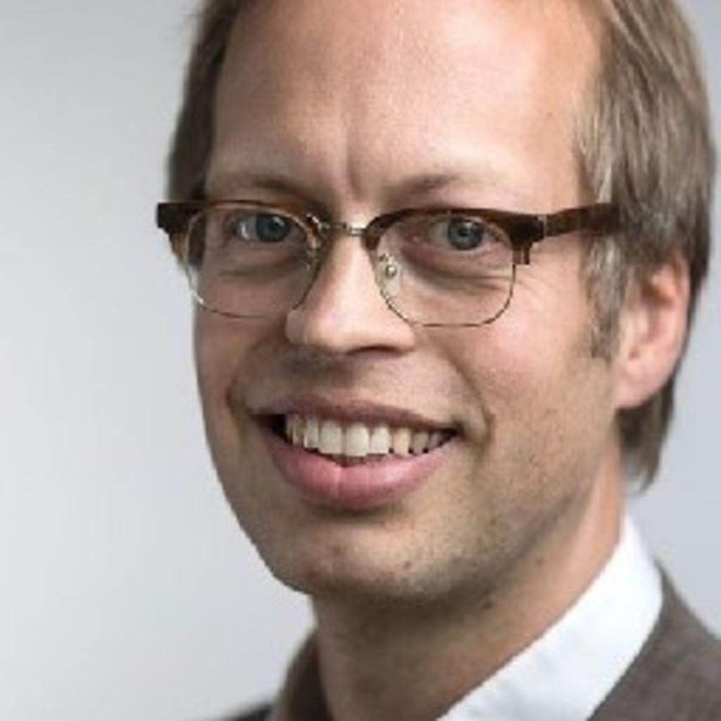 Ulrich T. Christenn - Leitung Zentrum Drittmittel&Fundraising - Diakonisches ... - ulrich-t-christenn-foto.1024x1024
