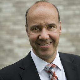Prof. Dr Martin Reuber - Rheinische Fachhochschule, Institut für Werkzeug- und Fertigungstechnik - Köln