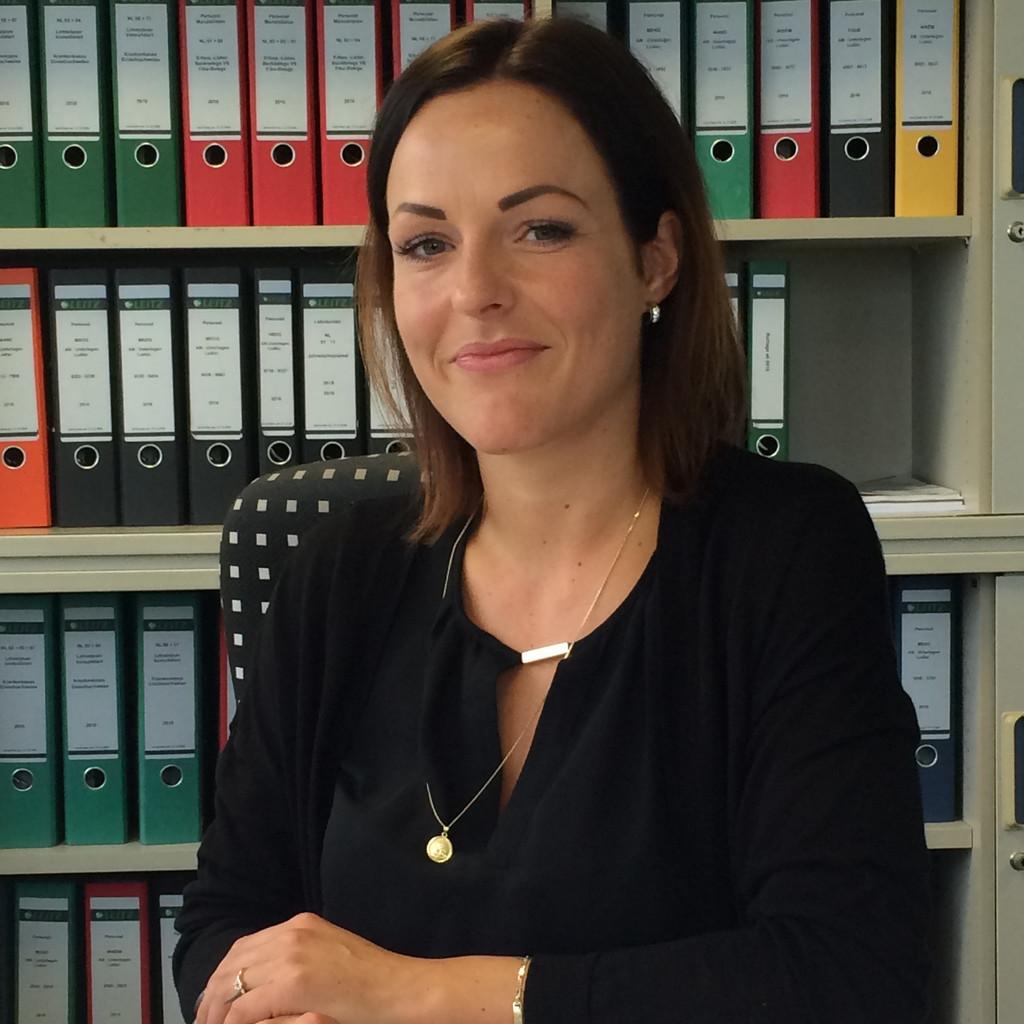 Stefanie Hoffart Leiterin Personalwesen Mobel Schau Norsingen