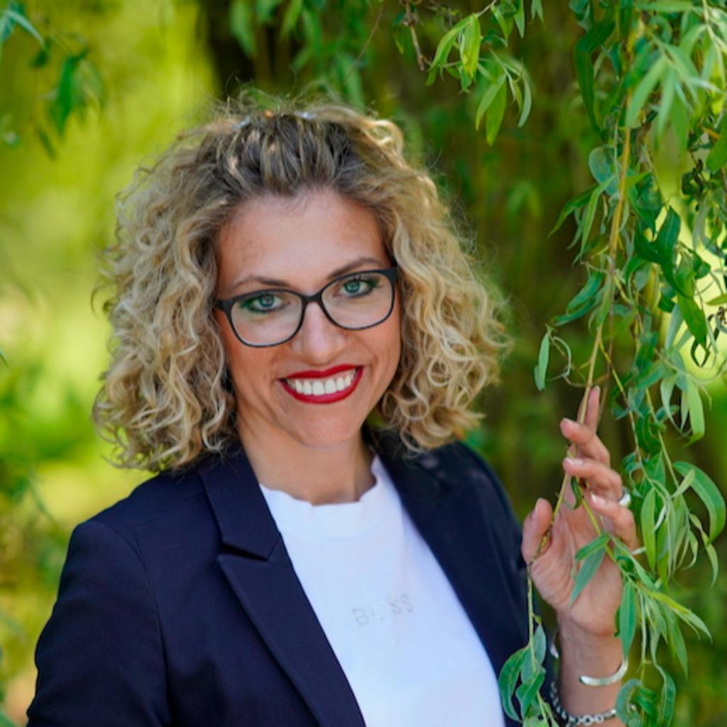 Gisela Rehm - Leiterin Marketing & Innenarchitektur - Häcker ...