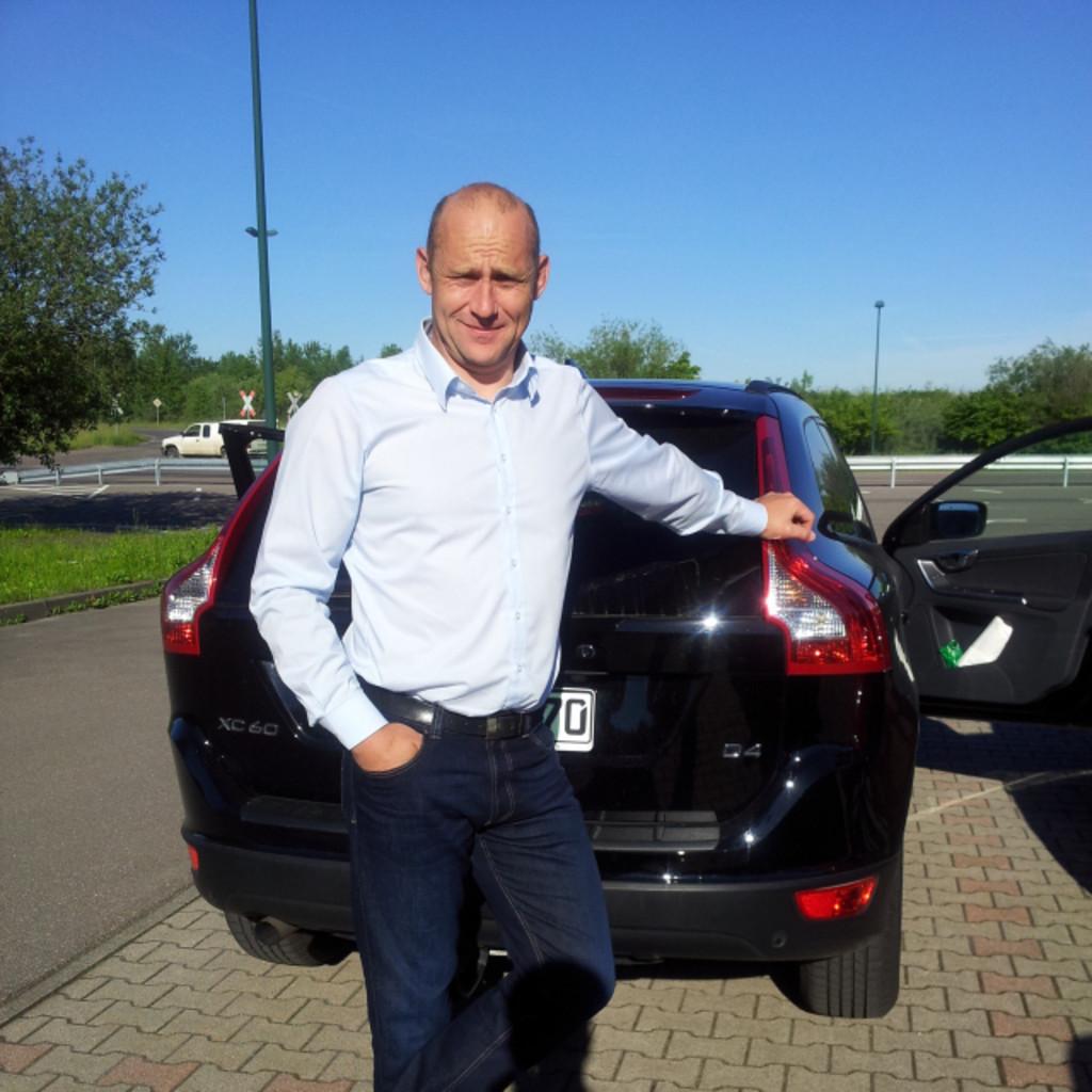 Michael Golz - Verkehrsleiter - OTTO DÖRNER Kies und ...