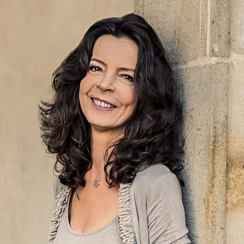 Monika Schwarz - Projektmanager im Banking Services - Commerzbank AG | XING