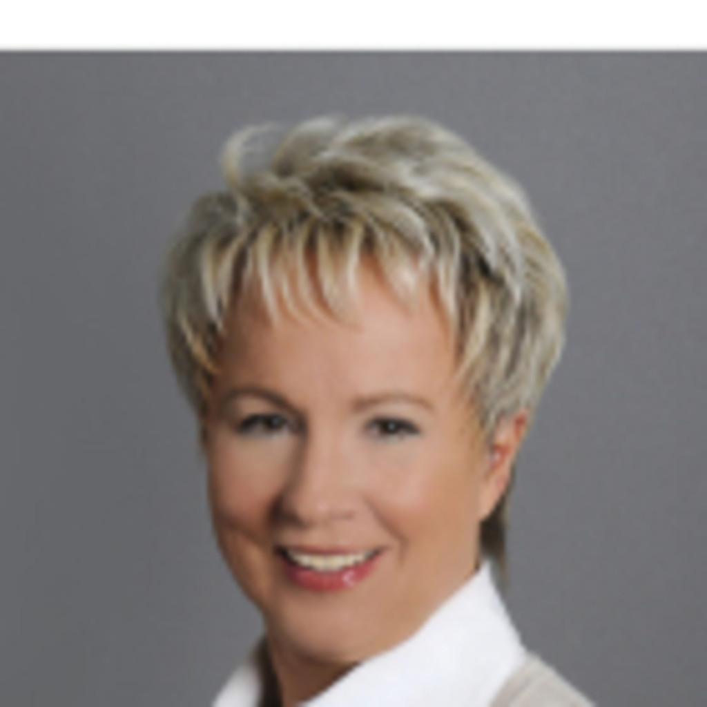cornelia funke pttrich sprachtrainer fachbersetzer lektor consultant diverse unternehmen fortbildungsinstitute werbeagenturen xing - Cornelia Funke Lebenslauf