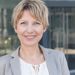 Dr. Sabine Wölbl