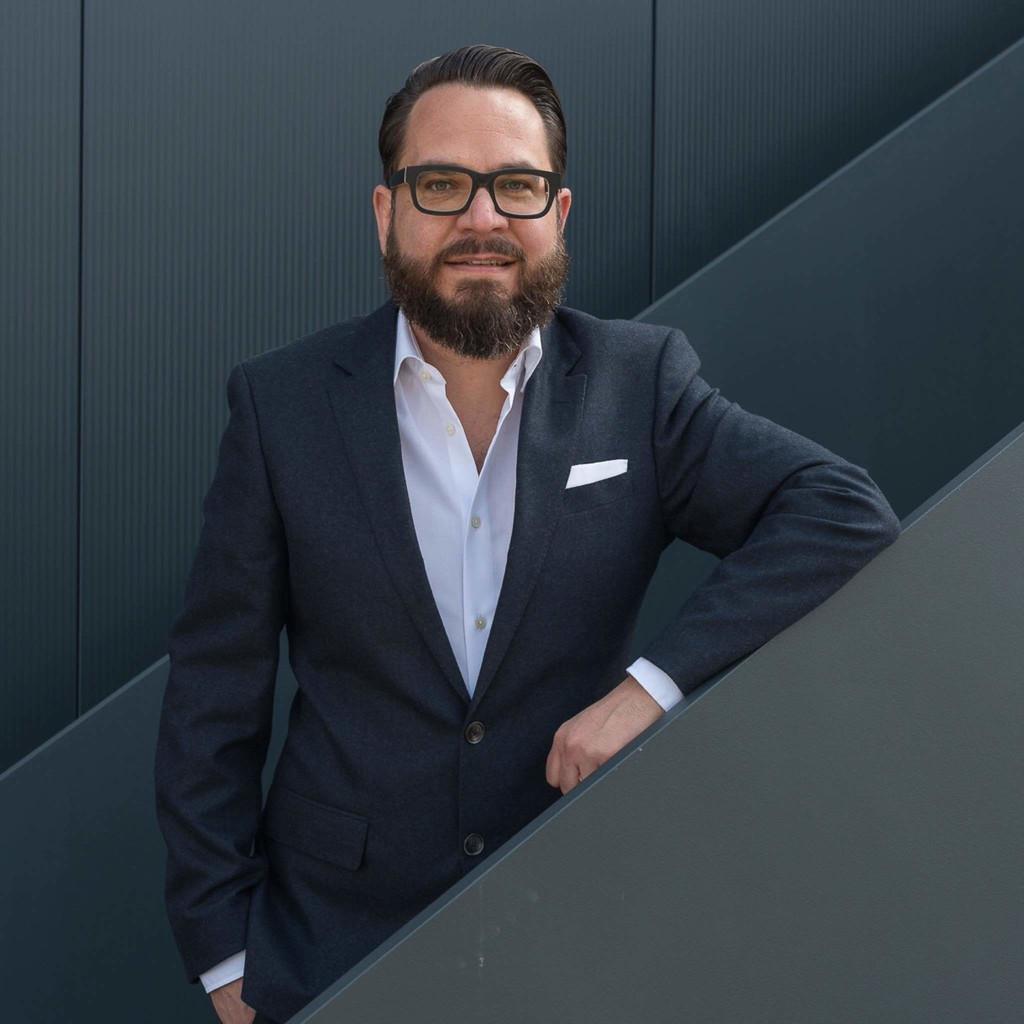 Andreas lev mordechai thoma managing brand consultant for Brand consultant