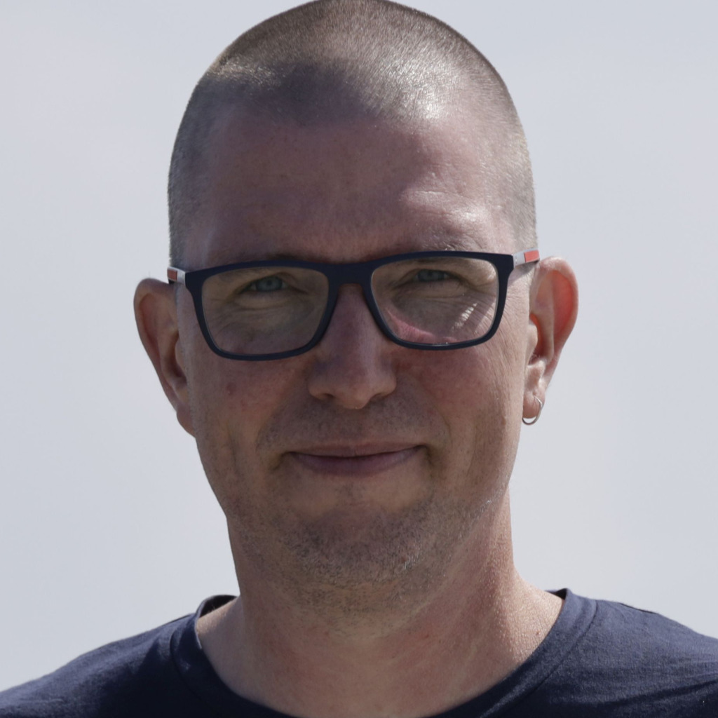 Daniel marx cluster manager spielzeug dekra testing for Marx hamburg
